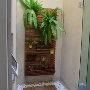 Jardim Vertical de parede em Madeira-1,95 x 0,60m ambiente